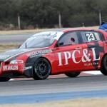 Guille D'Aguanno llevando su Alfa 147 a la victoria.
