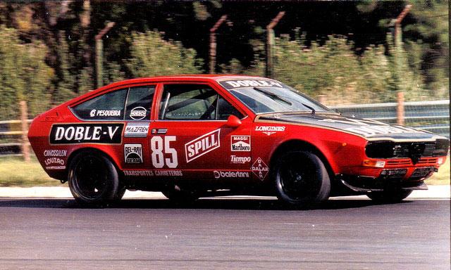 Jorge Maggi y su Alfetta GTV 2000